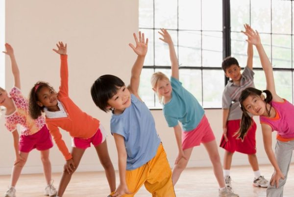 Children-exercising-in-fitness-class